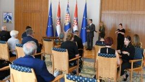 Predsjednik Milanović razgovarao s izaslanstvom Zajednice saveza osoba s invaliditetom Hrvatske2